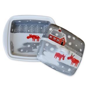 Helina Tilk: Handbemaltes Porzellan, Keramik, Heimtextilien, Porzellanmarken aus Ostholstein - handbemalte Butterdose mit Schneeelchmotiv