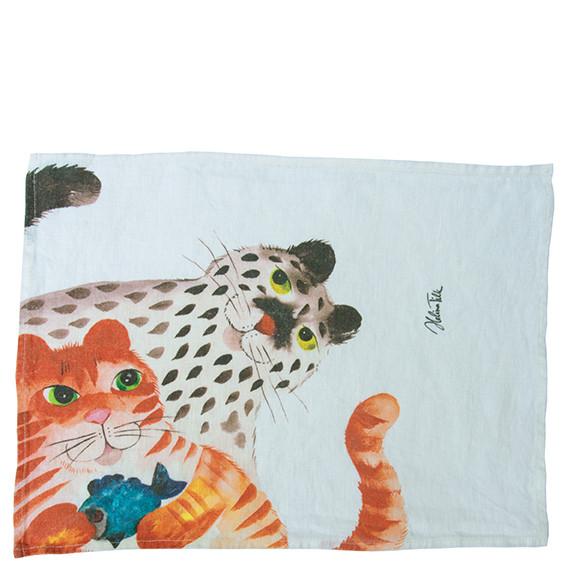 Helina Tilk: Heimtextilien - Platzdeckchen aus Leinen 43x31 Katze mit Fisch weiß