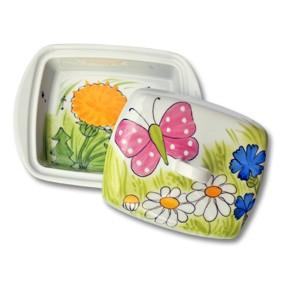 Helina Tilk: Handbemaltes Porzellan & Heimtextilien - handbemalte Butterdose aus Porzellan mit rosa Schmetterling und weissen Punkten mit allen Blumen - Porzellan Geschirr hier kaufen